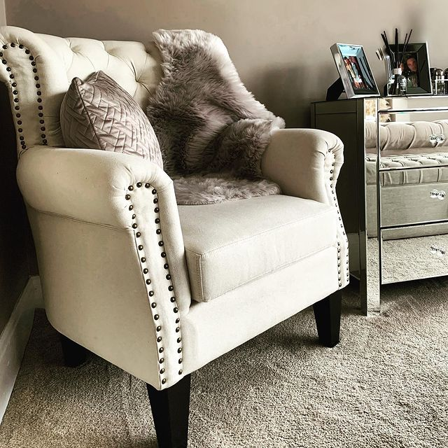Bedroom Armchair inspo byhome_at_henrydrv