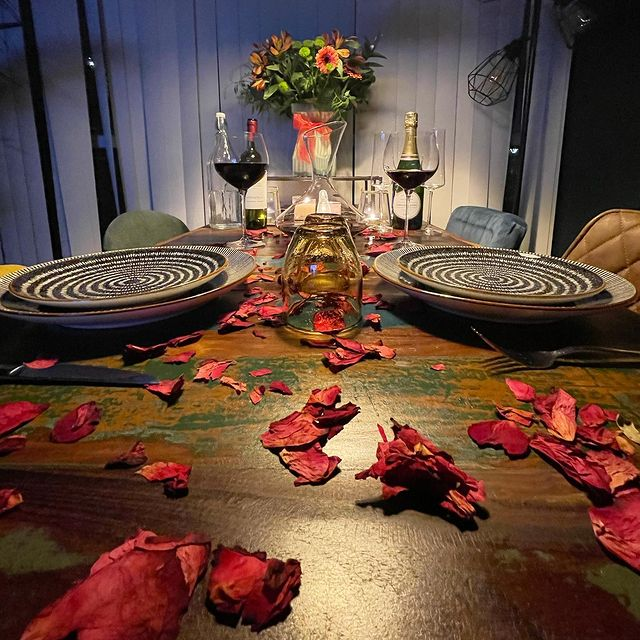 Valentine's Day Dining Room Table inspo by thecatriorhome