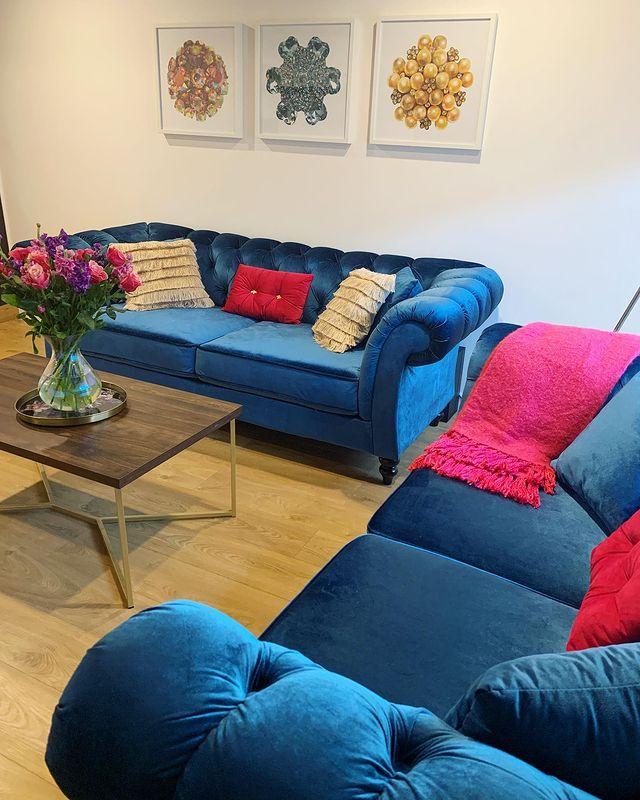 Blue Modern Chesterfield Sofas inspo bydulciebuttons